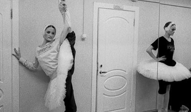#indulgi#ballerina#elegance